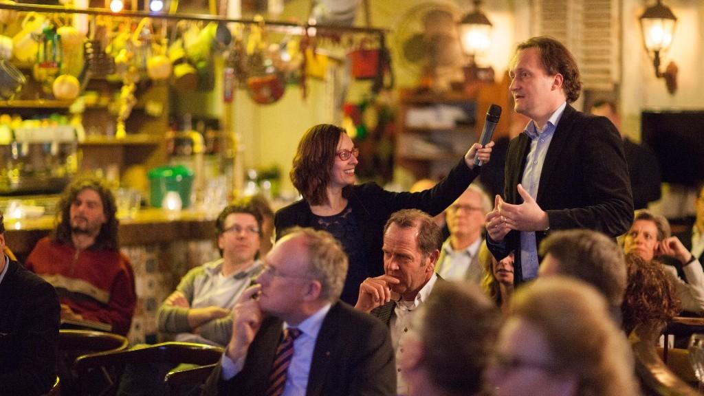 Politiek debat in Ondernemerscafé (foto Patrick van Gemert/Zutphens Persbureau)